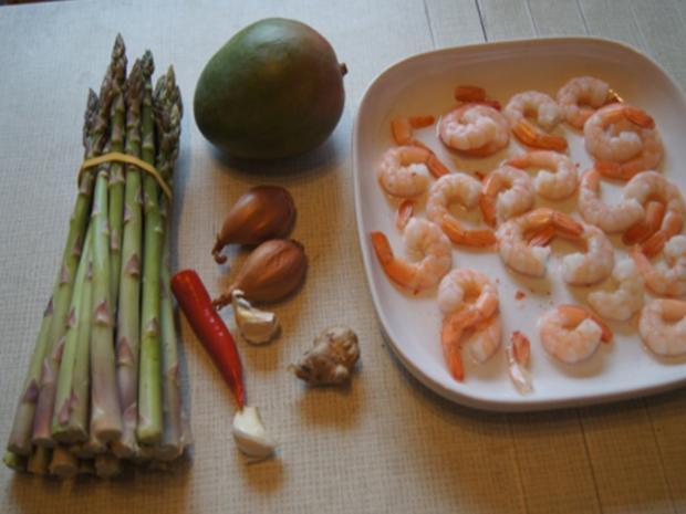 Grüner Spargel mit Cocktail Garnelen und Chili-Mango-Chutney - Rezept - Bild Nr. 3