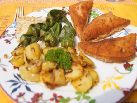 Panierter Leberkäse mit Pimentos und herzhaften Bratkartoffeln - Rezept - Bild Nr. 8149