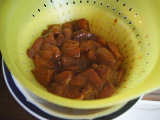 Ausgebackene Hähnchenbrustfiletwürfel und Mie-Nudeln mit Ei und Gemüse - Rezept - Bild Nr. 8156