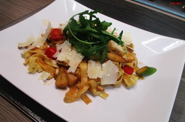 Pasta mit gebratenem Spargel und diversen Begleitern - Rezept - Bild Nr. 8184