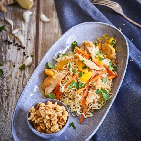 Thai Nudeln mit Mango, Erdnüssen & Saté-Hühnchen á la Stefan Wiertz - Rezept - Bild Nr. 8185