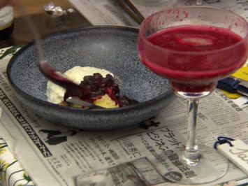 Gries-Soufflé mit japanischem Sake-Kirsch-Ragout, dazu Sauerrahmreis - Rezept - Bild Nr. 2