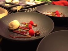 Ganache, Lavendeleis und ein Himbeer-Potpourri - Rezept - Bild Nr. 2