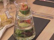 Lachs an Tonic-Gurkenspaghetti und Wasabi-Avocado-Creme - Rezept - Bild Nr. 2