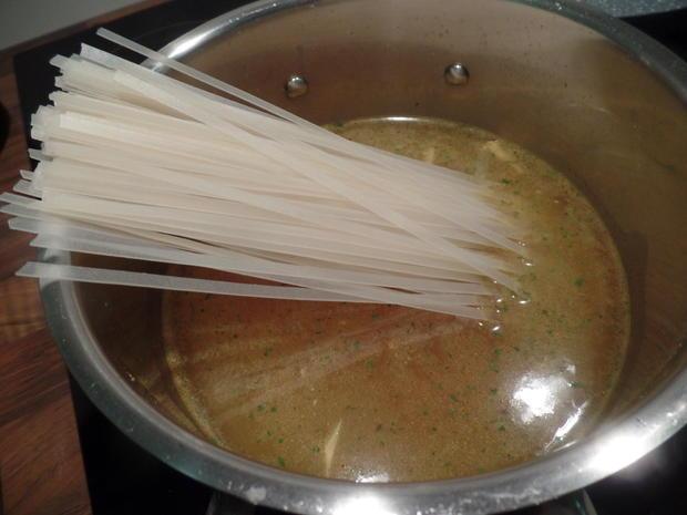 Scharfe Asia-Nudelsuppe mit Thai-Spargel - Rezept - Bild Nr. 8224