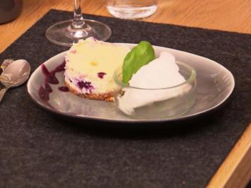 Rezept: Blueberry-Cheesecake mit Zitronen-Basilikum-Sorbet