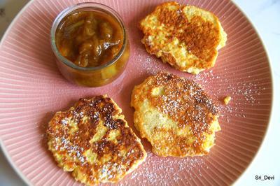 Süßspeise: Quarkpuffer mit Rhabarberkompott - Rezept - Bild Nr. 2