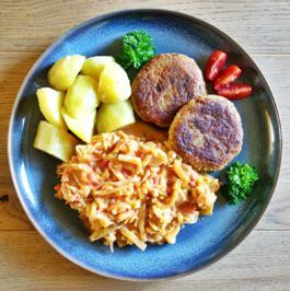 Linsen-Haferflocken-Laibchen mit Porree-Tomaten-Gemüse - Rezept - Bild Nr. 8252