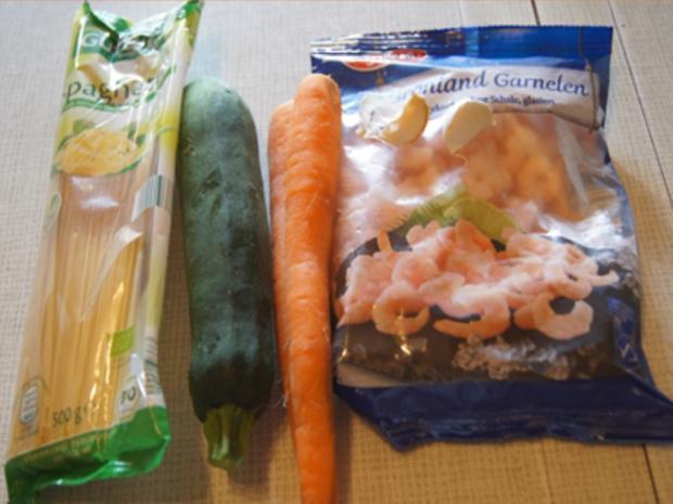 Pasta mit Spaghetti, Gemüse und Garnelen - Rezept - Bild Nr. 8253