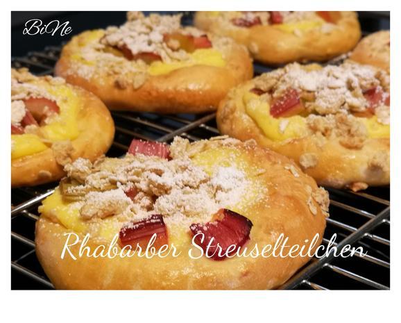 BiNe` S RHABARBER STREUSELTEILCHEN - Rezept - Bild Nr. 8257