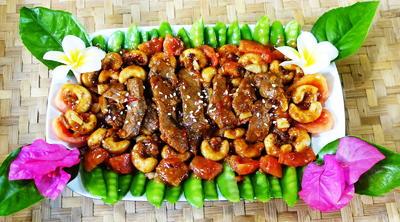Rindfleisch mit Zuckerschoten und Austernsauce - Rezept - Bild Nr. 8253