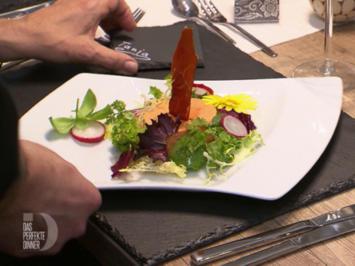 Mousse von roter Paprika mit Serranocrisp im Salatreigen dazu Balsamicotunke - Rezept - Bild Nr. 2