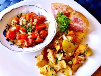 Rezept: Marinierte Tomaten mit Bratkartoffeln und Eisbein in Aspik