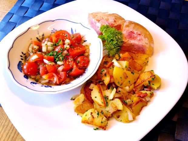 Marinierte Tomaten mit Bratkartoffeln und Eisbein in Aspik - Rezept - Bild Nr. 8263