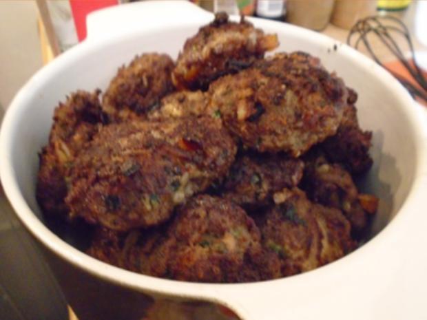 Buletten mit Sahnesauce, Drillingen und Blumenkohl-Brokkoli-Gemüse - Rezept - Bild Nr. 8265