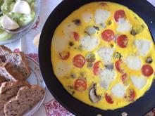 Omelett mit Champignons, Tomate und Mozarella - Rezept - Bild Nr. 8260