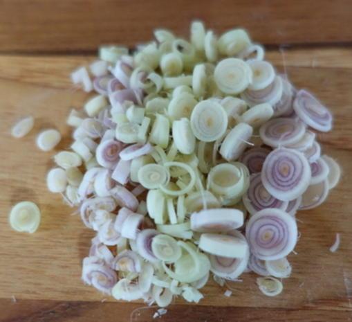 Exotisch-würzige Gemüsepuffer mit Erdnüssen – Martabak ala Ampenan - Rezept - Bild Nr. 8271