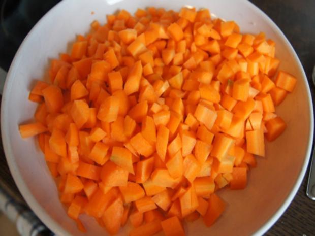 Asiatische-Orangen-Möhren-Suppe mit Einlage - Rezept - Bild Nr. 8273