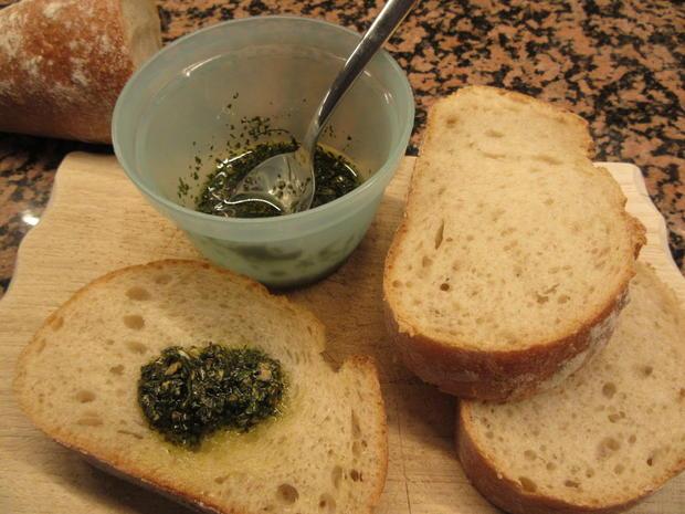 Suppen: Gazpacho mit Kräuterbaguette - Rezept - Bild Nr. 8290