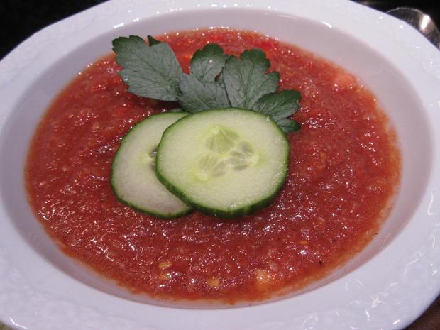 Suppen: Gazpacho mit Kräuterbaguette - Rezept - Bild Nr. 8291