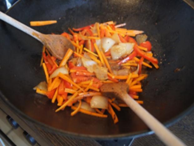 Gebratenes Rindfleisch und Gemüse mit Austernsauce und gelber Basmatireis - Rezept - Bild Nr. 15