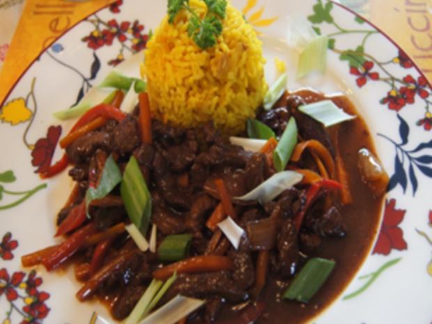 Gebratenes Rindfleisch und Gemüse mit Austernsauce und gelber Basmatireis - Rezept - Bild Nr. 22