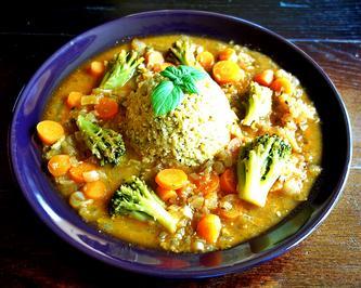 Rezept: Hirse, Quinoa und Linsen mit Brokkoli und Karotten in scharfer Zwiebelsauce