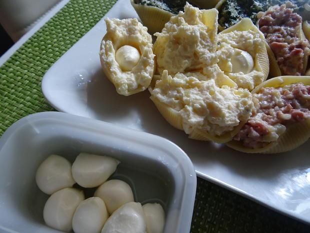 Conchiglioni mit dreierlei Füllung und Tomaten-Bechamel-Soße - Rezept - Bild Nr. 8306