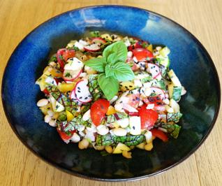 Rezept: Bunter Bohnen-Kräuter-Salat