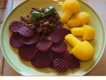 Rezept: Flickerklops mit Kartoffelpilzen und Rote Bete