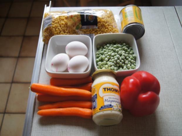 Nudelsalat mit Gabelspaghetti, Gemüse und Eiern - Rezept - Bild Nr. 8373