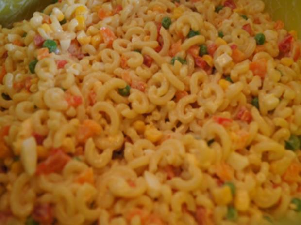 Nudelsalat mit Gabelspaghetti, Gemüse und Eiern - Rezept - Bild Nr. 8382