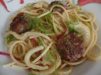 Rezept: Fenchel-Spaghetti mit Hackbälchen