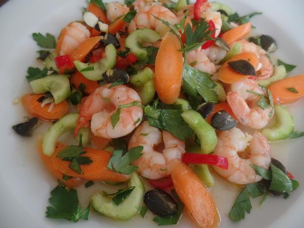 Garnelen-Möhren-Gurken-Salat - Rezept - Bild Nr. 8380