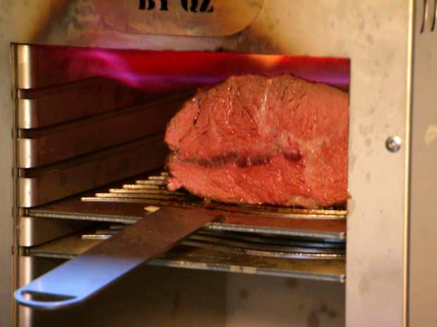 Rinderbug mit Karotten-Emulsion und Kartoffeln - Rezept - Bild Nr. 8380