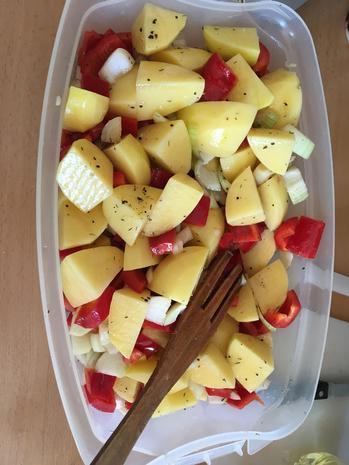 Kartoffel-Paprika-Hähnchen-Blech - Rezept - Bild Nr. 8392