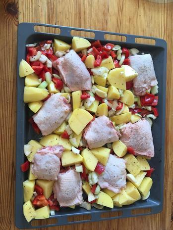 Kartoffel-Paprika-Hähnchen-Blech - Rezept - Bild Nr. 8393