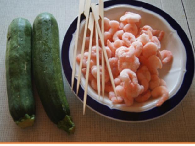 Gebratene Zucchini mit Garnelenspießen - Rezept - Bild Nr. 3