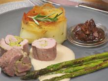 Filet vom Angler Sattelschwein, Kartoffelrose, grüner Spargel und Baconkonfitüre - Rezept - Bild Nr. 8448