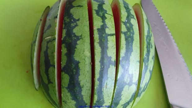 Biggi`s Salate = Wasabi-Rucula Salat mit Avocado Melone und Passionsfrucht - Rezept - Bild Nr. 8469