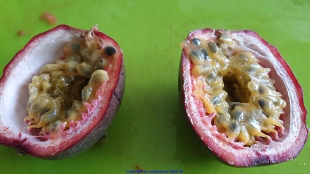 Biggi`s Salate = Wasabi-Rucula Salat mit Avocado Melone und Passionsfrucht - Rezept - Bild Nr. 8474
