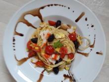 Spagetti mit gelber Zucchini ,Schwarze Oliven - Rezept - Bild Nr. 8471