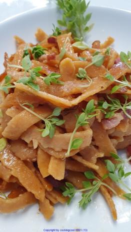 Tomaten Chili Tagliatelle (frisch hergestellt) mit der Pasta Maschine - Rezept - Bild Nr. 8482