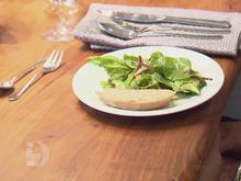 Crème brûlée vom Parmesan mit Salat - Rezept - Bild Nr. 2