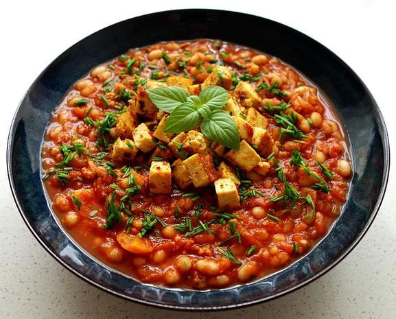 Bohnen, Karotten und Soja in Tomatensauce mit Chili-Feto - Rezept - Bild Nr. 8477