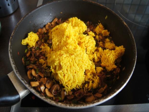 Champignon-Gemüse-Reis-Pfanne mit Spiegelei - Rezept - Bild Nr. 8