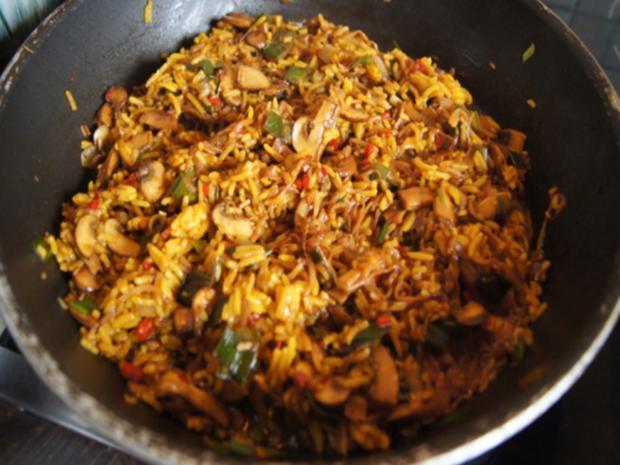 Champignon-Gemüse-Reis-Pfanne mit Spiegelei - Rezept - Bild Nr. 9