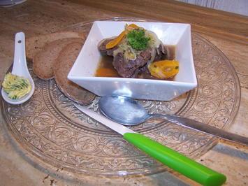 Rezept: Kronfleisch im Sud mit Gemüse und selbst gemachter Kräuterbutter