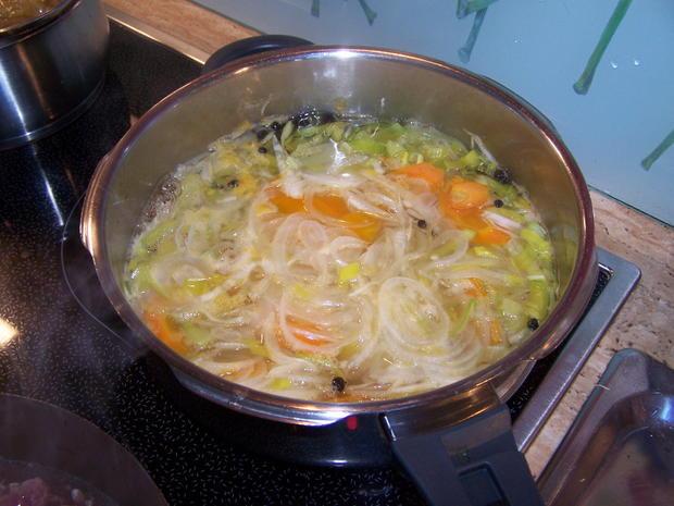 Kronfleisch im Sud mit Gemüse und selbst gemachter Kräuterbutter - Rezept - Bild Nr. 8610