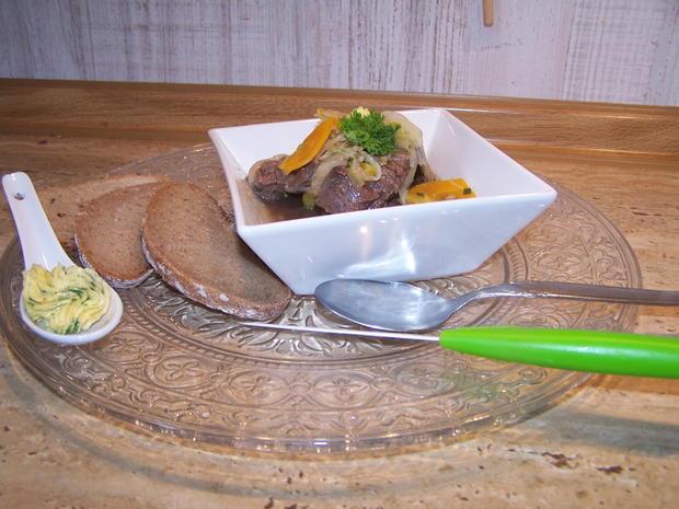 Kronfleisch im Sud mit Gemüse und selbst gemachter Kräuterbutter - Rezept - Bild Nr. 8615